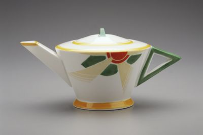 2005/66/6 Teapot, from the 'Vogue' series, bone china, with hand-painted pattern, made by Shelley Potteries, Staffordshire, England, 1930-1933