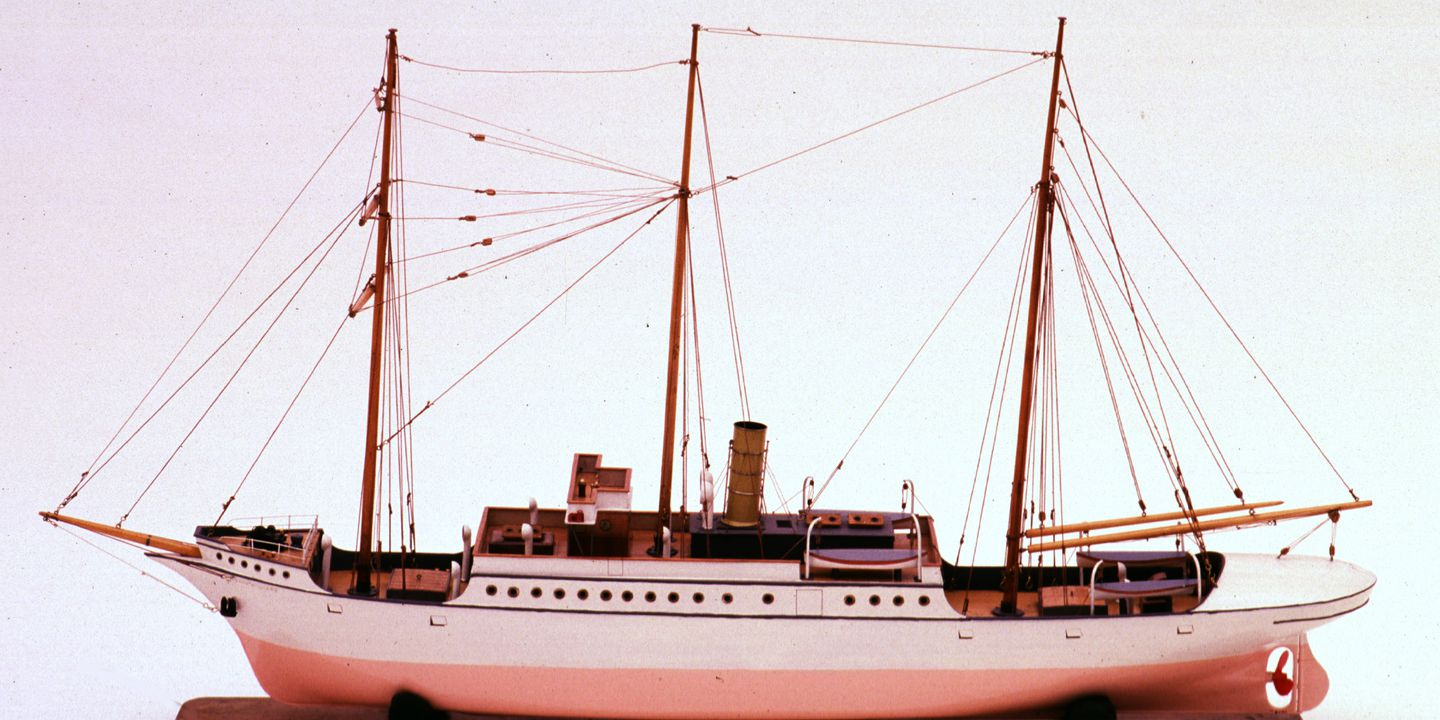 """H4686 Ship model, SS """"John Williams IV"""", London Missionary Society steamer. Click to enlarge."""