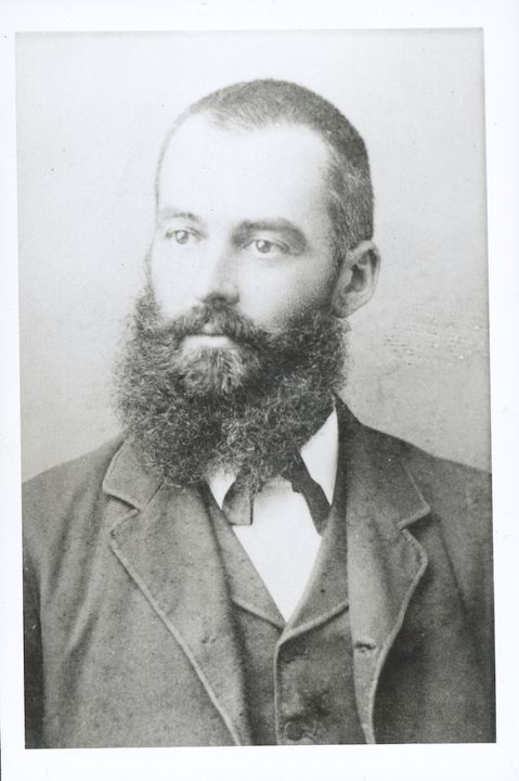 P2903-1/9 Photographic print, black and white, portrait of Lawrence Hargrave, c1888, copy print made c 1977. Click to enlarge.