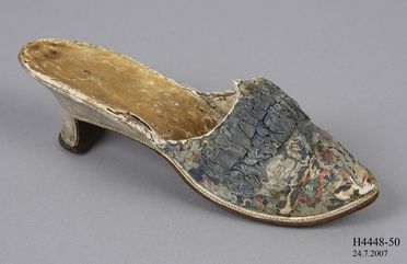 H4448-50 Mule, part of Joseph Box collection, womens, silk / leather, maker unknown, probably France, c. 1775-1780