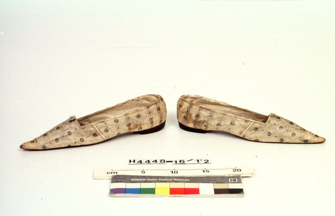 H4448-16 Slip on shoes (pair), with labels (2), part of Joseph Box collection, womens, silk / leather / linen / metal / paper, by Gundry & Sons, London, England, c. 1839. Click to enlarge.