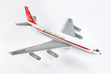 B2236 Aircraft model, Qantas Boeing 707 turbo-fan V-jet, 'City of Sydney' VH-EBB, sectioned, metal / plastic, maker unknown, United States of America, 1959