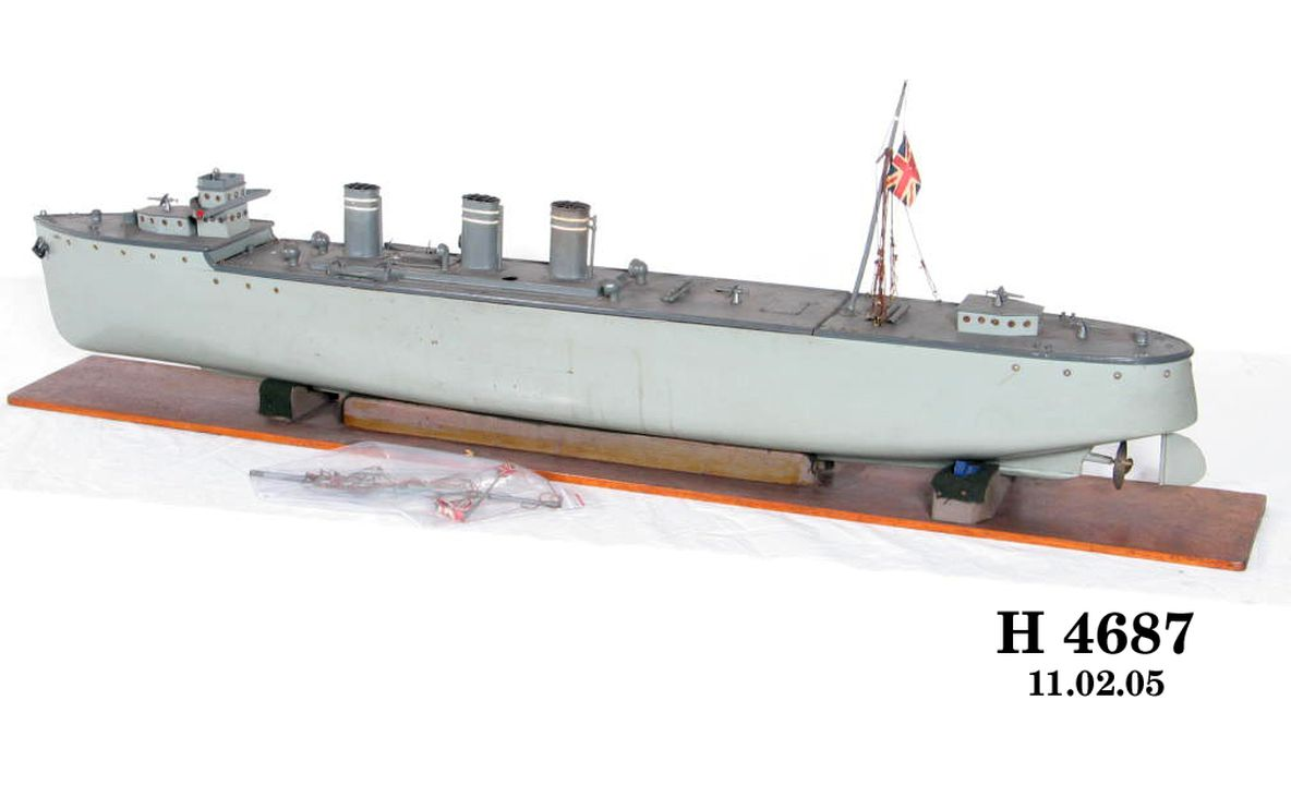 Model of WWI naval torpedo boat destroyer, 1945 - MAAS Collection
