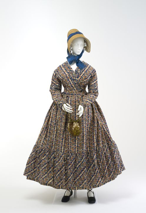 A9276 Dress, maternity, woman's, wool, maker unknown, probably worn in Australia, c. 1825. Click to enlarge.