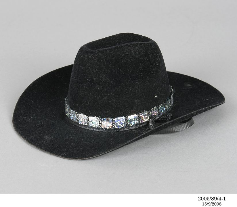 2005/89/4 Cowboy hat and hat band, dog's, velvet / cotton / sequin / metal, used by Edward Bear, Sydney, New South Wales, Australia, [1995-2000]. Click to enlarge.