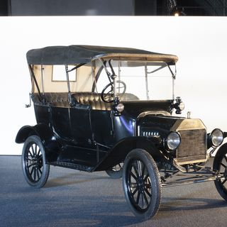 B727 Automobile, full size, Ford Model T car, 5-passenger, 4-door tourer, No. C55005, metal / rubber / glass, designed by Henry Ford with Joseph Galamb and C.H. Wills, 1906-1908, Detroit, Michigan, United States of America, made by Ford Motor Co, Walkerville, Ontario, Canada, 1916