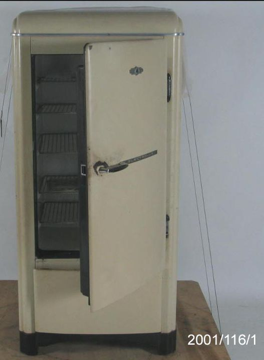 Electrolux absorption cycle refrigerator - MAAS Collection