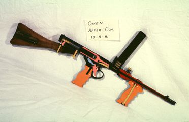 H4613 Submachine gun, Owen, sectioned, Mark II, made by John Lysaght (Australia) Ltd, Australia, 1941-1944
