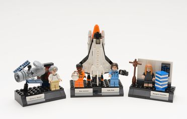2018/47/1 'Women of NASA' toy Lego set consisting of 3 mini displays featuring 4 accomplished people, original box and instruction booklet with their life stories, made by The Lego Group, 2017