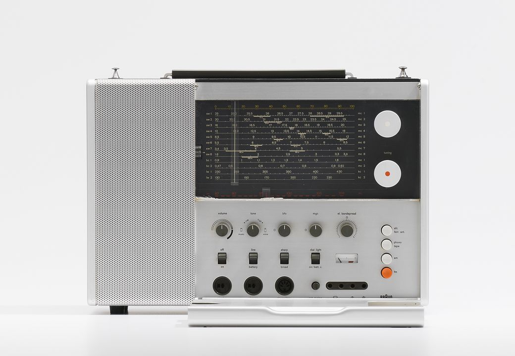 2013/128/1 Radio, with user manual, T1000 Weltempfaenger (world receiver), anodised and lacquered aluminium / plastic / electronic components / paper, designed by Dieter Rams, made by Braun, West Germany, 1963. Click to enlarge.