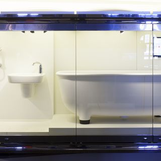 2015/61/1 Freestanding bath, Caroma Marc Newson Bathroom Collection, mixed materials, designed by Marc Newson and Caroma, Australia/United Kingdom, made in Italy, 2012-2014