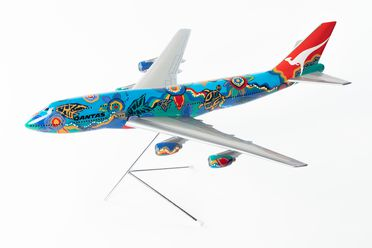 96/233/1 Aircraft model and stand, Boeing 747-338, Qantas Airways, 'Nalanji Dreaming', plastic/metal/paint, John and Ros Moriarty/Skyland Models, Australia/England, 1995-1996