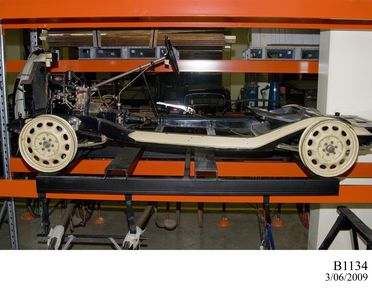 B1134 Automobile chassis, full size, sectioned, Morris 8, Series E, metal, made by Morris Motors Ltd, Cowley, Oxford, England, 1939-1948