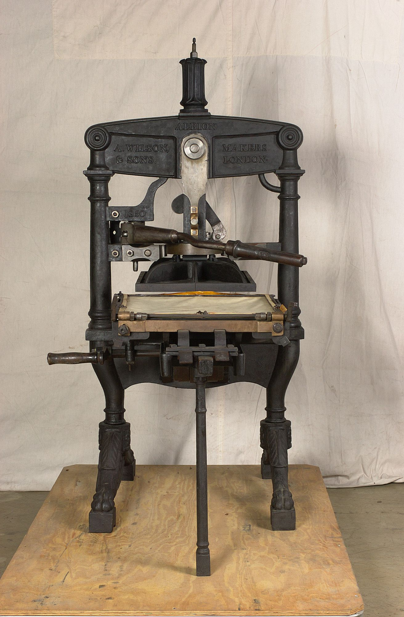 Albion hand printing press - MAAS Collection