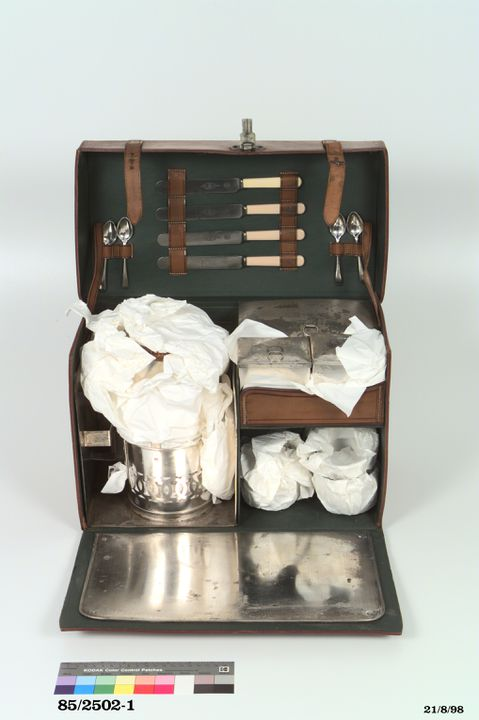 85/2502 Picnic set, motorists, leather case / wicker / bone / glass / paper/ porcelain, used by Major A U John (Anthony Ulysses), maker unknown, England, 1910-1930. Click to enlarge.