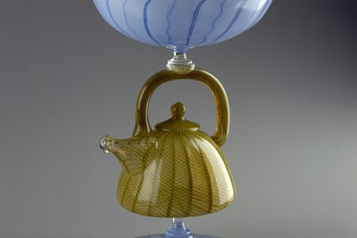 94/104/1 Goblet, teapot-shaped stem, blown glass, made by Richard Marquis and Dante Marioni, Canberra, Australian Capital Territory, Australia, 1994