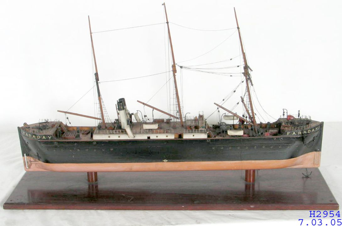H2954 Cable-laying ship model, 'The Faraday', wood / metal / paint, made by Daniel Aldous, Australia, 1888-1907. Click to enlarge.