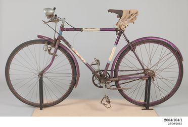2004/104/1 Bicycle, mens, metal / rubber / leather, Wynall Cycles, Sydney, New South Wales, Australia, c. 1938