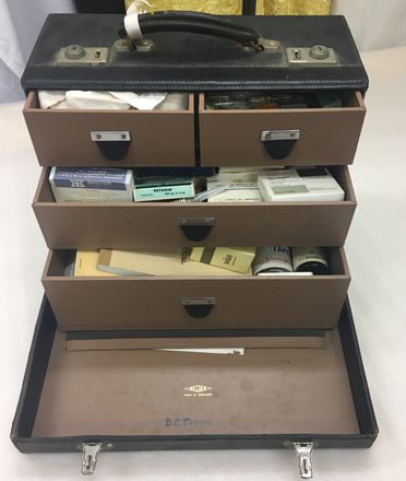 2018/17/1 Doctor's home visit case with pharmaceuticals and prescription books, plastic / glass / paper / metal, multiple makers, used by Dr Bruce C Terrey of Beecroft, New South Wales, Australia, 1967