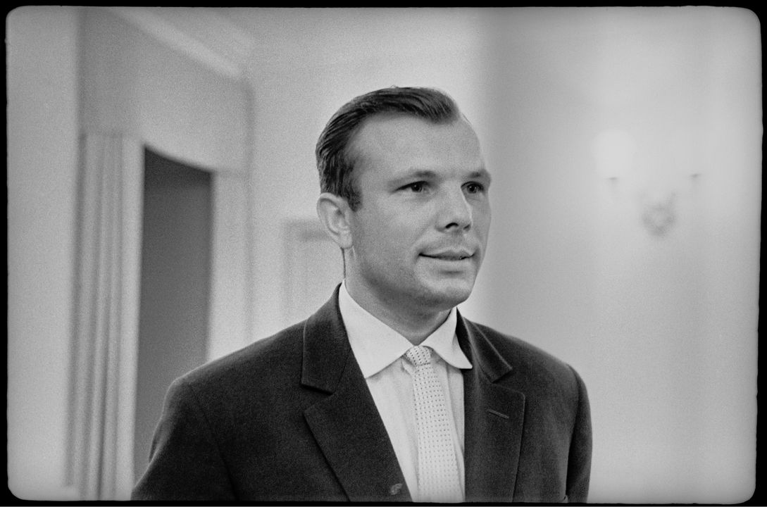 2004/7/1 Photograph and original negative, black and white portrait of Cosmonaut Yuri Gagarin, taken by Valentin Shkolny, paper / acetate film, Union of Soviet Socialist Republics (USSR), 1962 (printed Australia 1997). Click to enlarge.