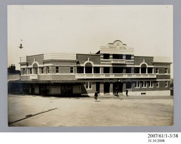 2007/61/1-3/38 Photographic prints (2), black and white, exterior of Crown Hotel, Wollongong, Milton Kent, Sydney, New South Wales, Australia, c.1927