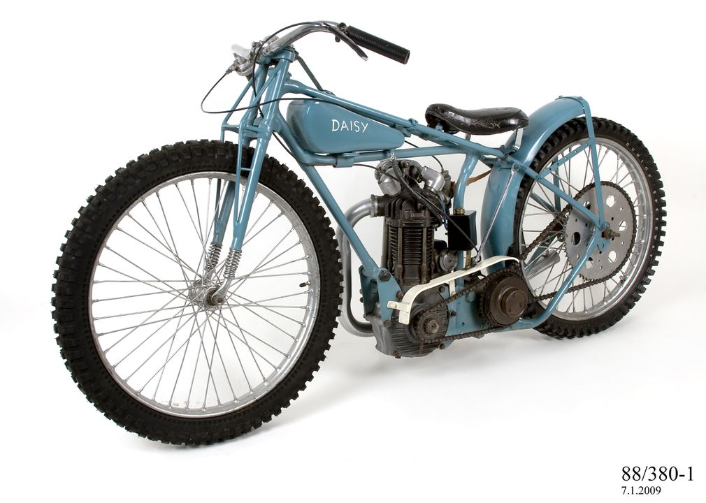 """88/380 Speedway motorcycle """"Daisy"""", full-size, used by Ray """"Broadside"""" Taylor, frame made by Rudge-Whitworth Ltd, Coventry, England, 1933, 500cc J.A.P. speedway engine No. JOS/C 8273, made by J.A. Prestwich Industries, Tottenham, London, England, 1948. Click to enlarge."""