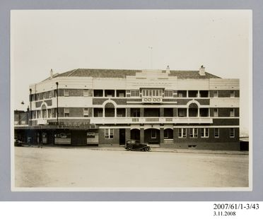 2007/61/1-3/43 Photographic prints (2), black and white, exterior of Crown Hotel, Wollongong, Crown Studios, Wollongong, New South Wales, Australia, c.1927