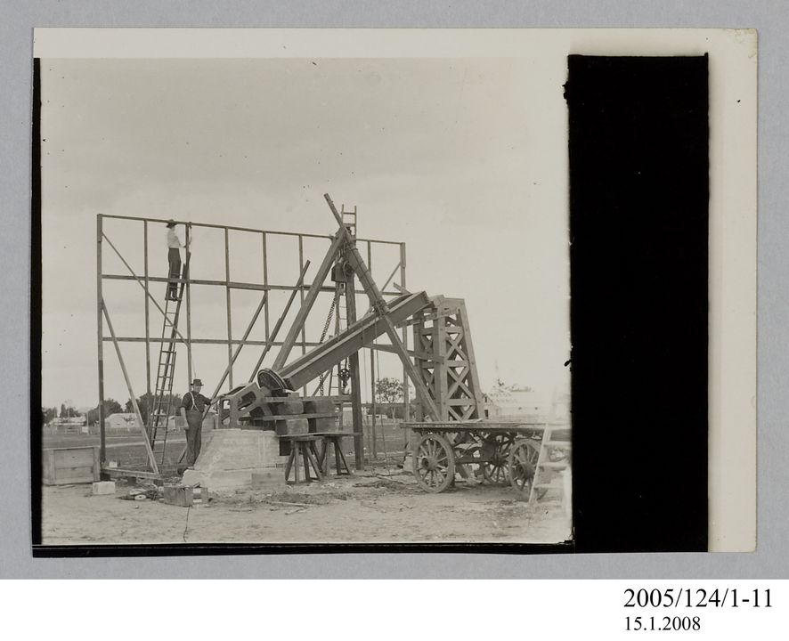 2005/124/1-11 Photograph, part of collection owned by James Short, black and white, building frame and astrograph telescope at Goondiwindi, paper, photographer unknown, Goondiwindi, Queensland, Australia, 1922. Click to enlarge.