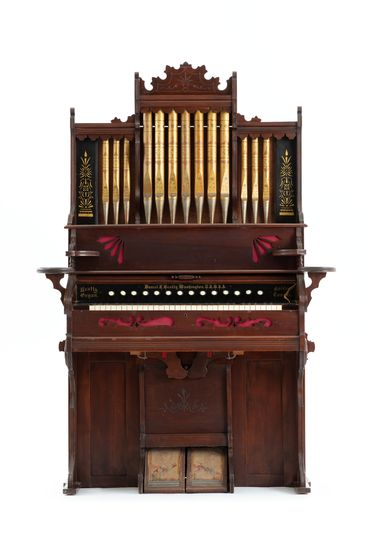 2003/197/1 Organ, Parlour Organ, reed type, timber / metal / fabric, designed and made by Daniel F Beatty, Washington, New Jersey, United States of America, 1870-1890