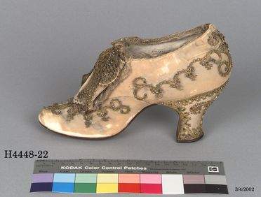 H4448-22 Oxford shoe, part of Joseph Box collection, womens, silk / linen / metal / steel / textile / leather, maker unknown, England, c. 1880-1889