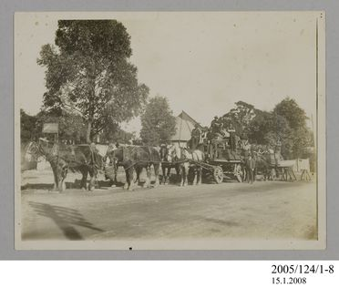 2005/124/1-8 Photograph, part of collection owned by James Short, black and white, horse team moving star camera, paper, photographer unknown, Sydney, New South Wales, Australia, 1922
