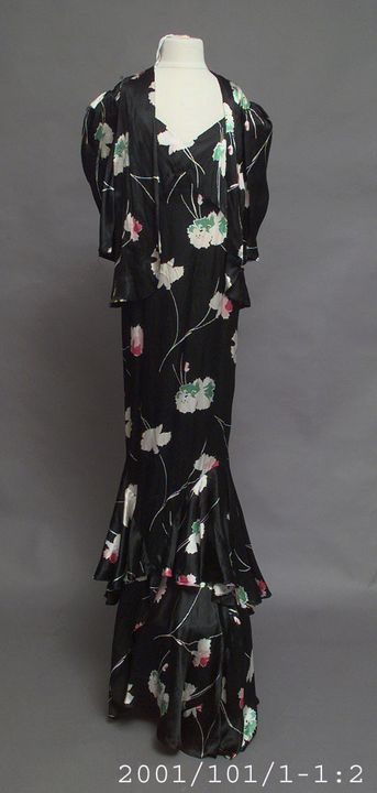 2001/101/1 Evening dress with jacket, womens, printed rayon, made by Misses Mooney, Melbourne, Australia, c. 1935. Click to enlarge.