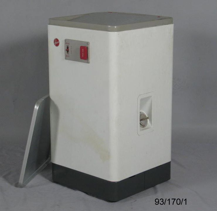 93/170/1 Electric washing machine, Hoover 0354 model, steel, made by Hoover Ltd, England, c. 1960. Click to enlarge.